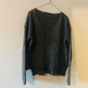 Women's nwot Brandy Melville Gray sweater